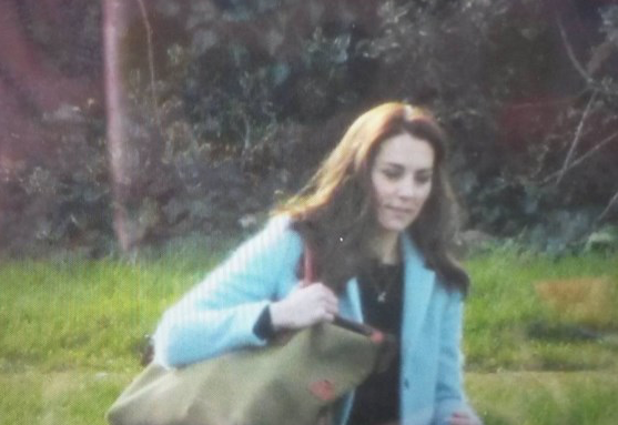 Kate Sighting : Leaving London to Return to Anmer Hall